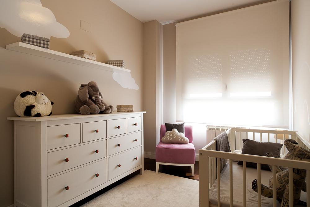 Decoraci n de interiores y reformas entrecolores - Estores para habitacion de bebe ...