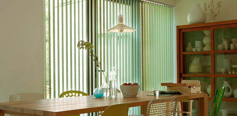 Todav a crees que las cortinas verticales son s lo para - Cortinas para oficinas ...