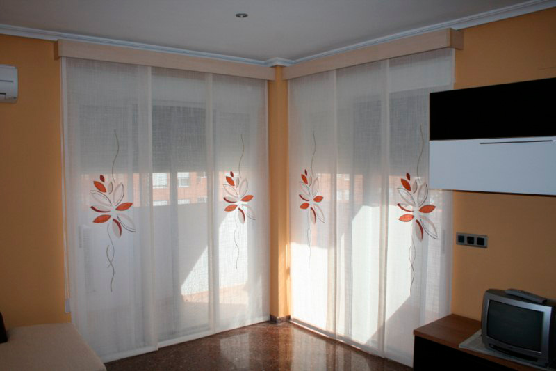 paneles japoneses sobre puertas correderas