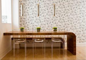 Comedor con mesa y banco a medida