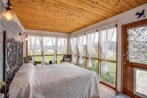 Visillos para ventanas de dormitorio rústico