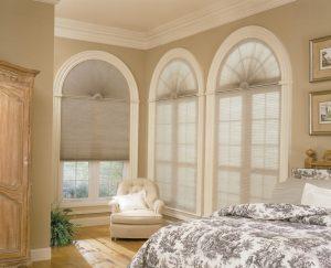 Cortinas duette en ventanas con forma de arco