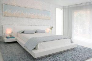 Alfombra dormitorio azul hielo