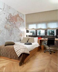 Habitación con mural de mapa mundi