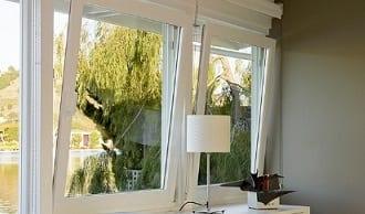 Cómo colocar estores para ventanas oscilobatientes