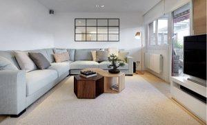 Estores salón modernos con cortinero de metal